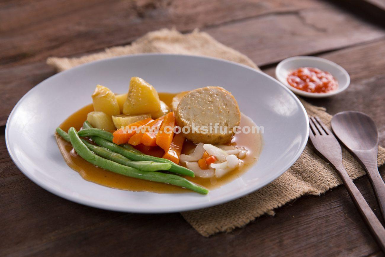 Indonesian Chicken Galantine