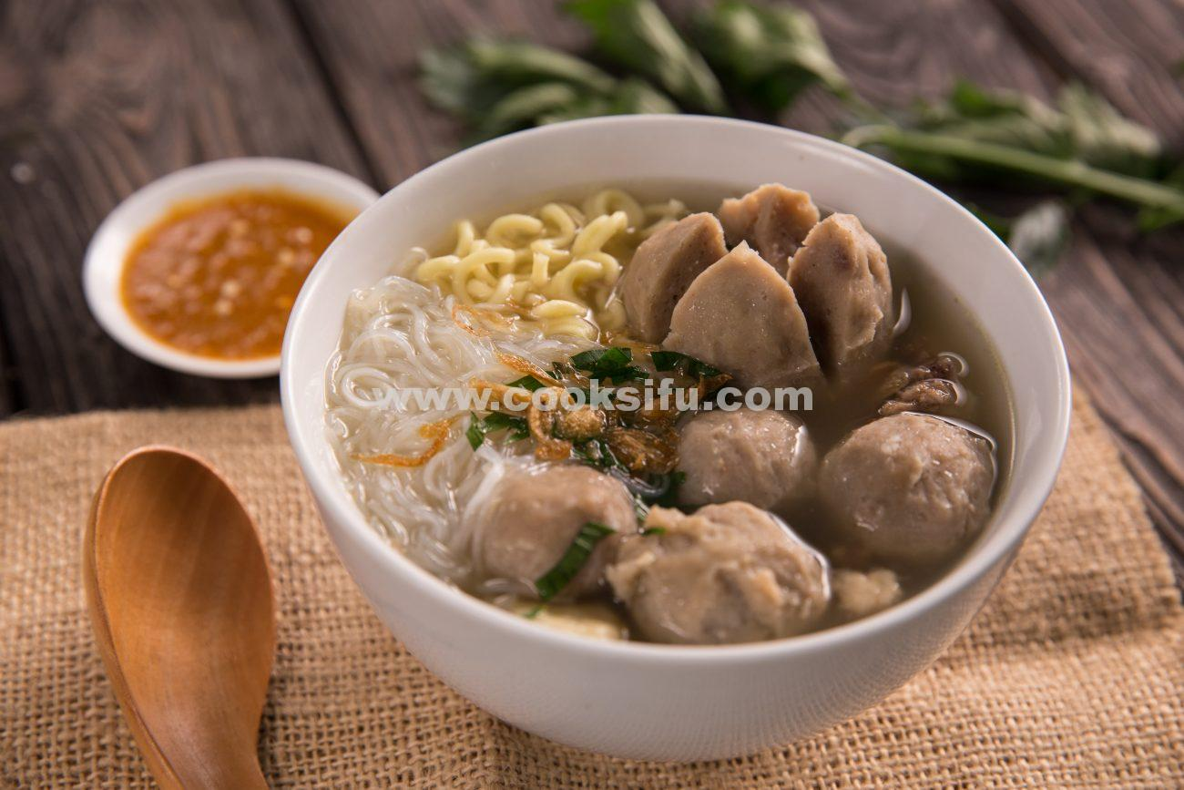 Beef Meatball Noodle Soup