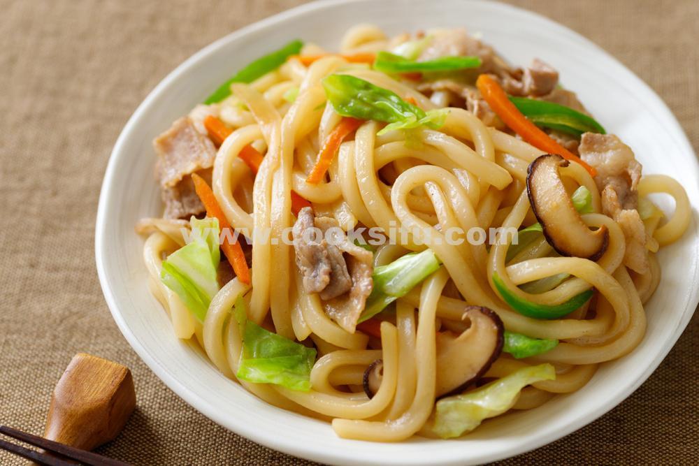 Yaki Udon – Japanese Stir-Fried Udon Noodles